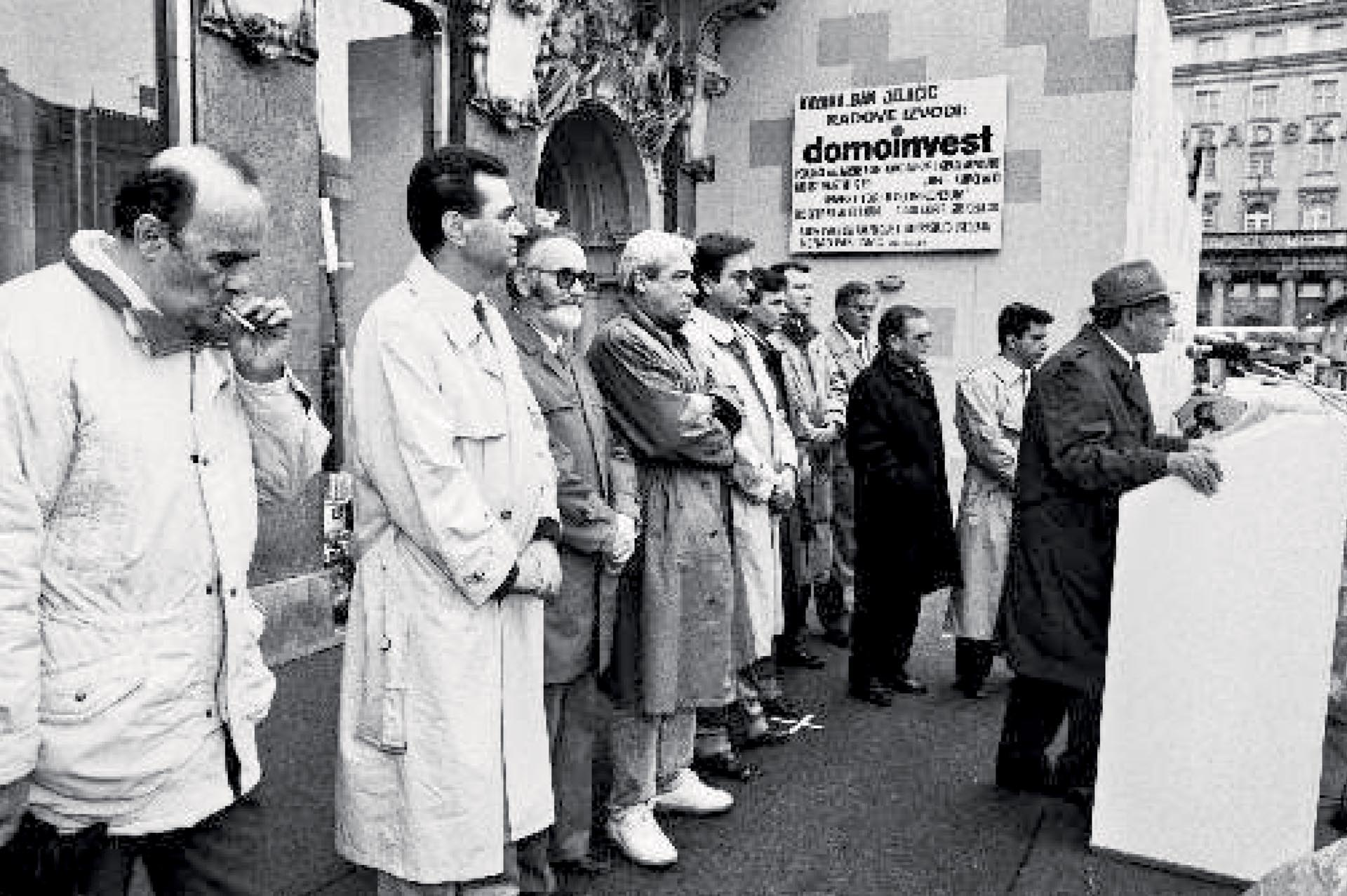 GOVORNICI IZ NOVOOSNOVANIH DEMOKRATSKIH STRANAKA NA SKUPU 1990. GODINE | Foto: IZLOŽBA '120 GODINA HRVATSKE SOCIJALDEMOKRACIJE'