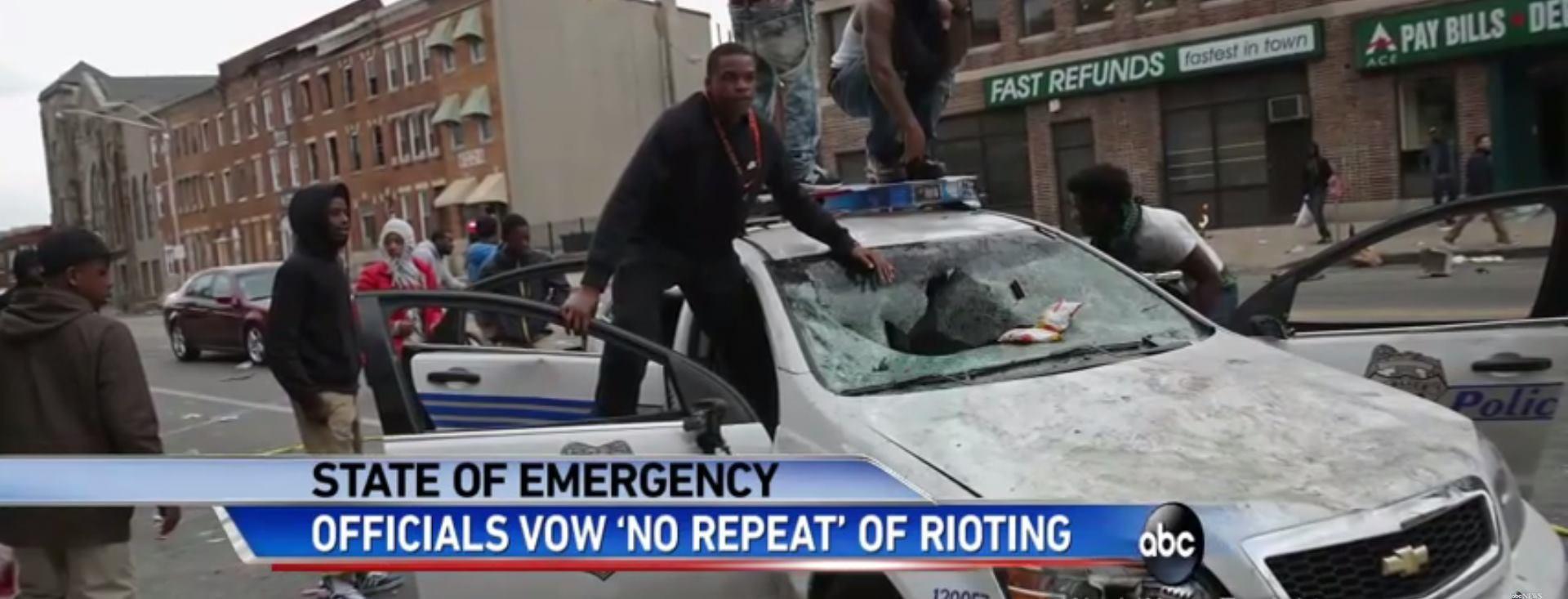 VIDEO: OPET BURNA NOĆ Tisuće policijaca u Baltimoreu rastjerivalo prosvjednike