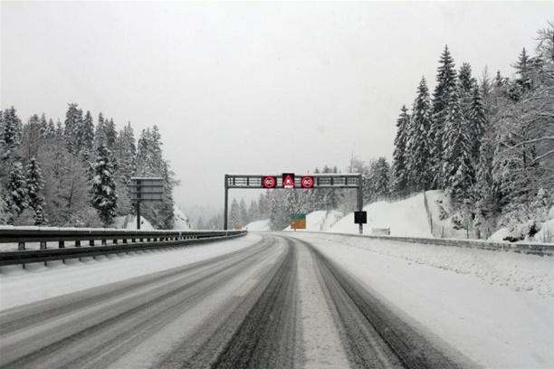Snijeg u Lici i Gorskom kotaru