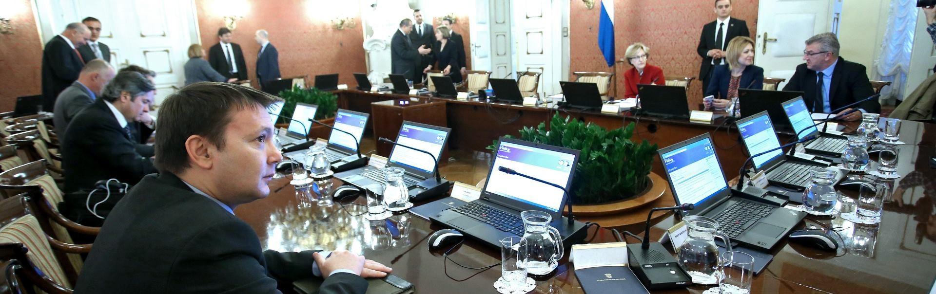 Vlada: Sindikati nisu spremni važna pitanja rješavati dijalogom, već neodgovorno izazivaju tenzije
