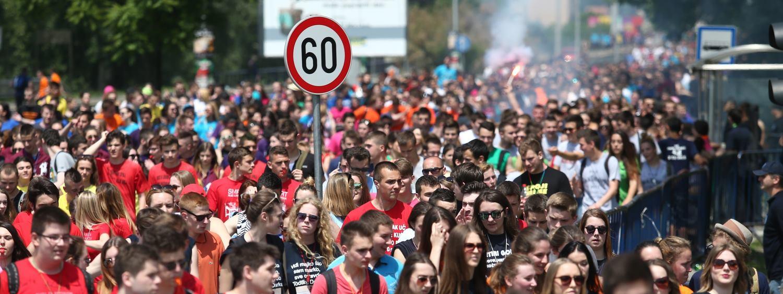NORIJADA Maturanti tradicionalno slave završetak srednje škole