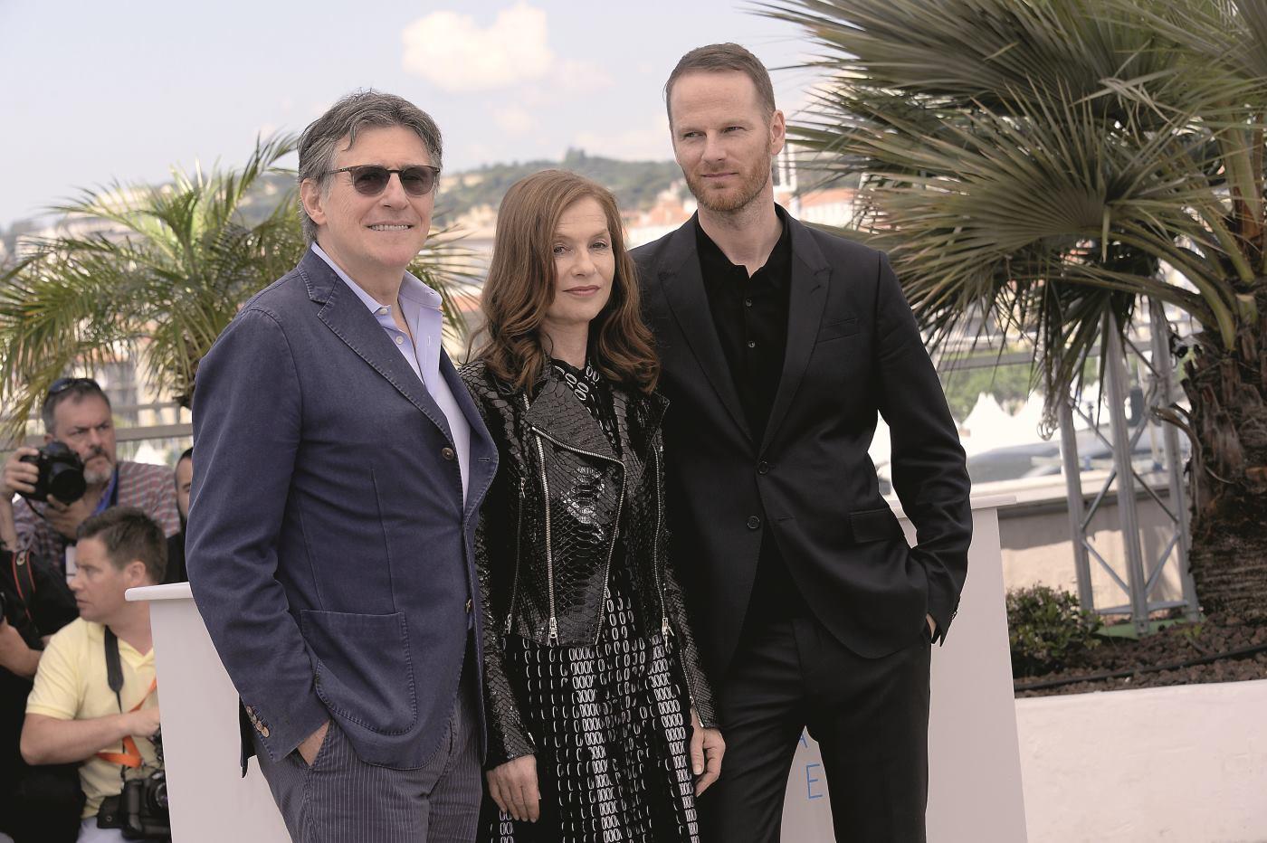 Gabriel Byrne, Isabelle Huppert i Joachim Trier FOTO: Maria Laura Antonelli/Photoshot