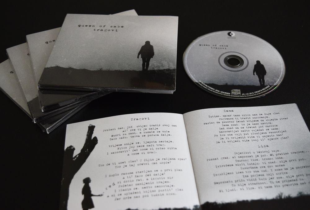 DEBI ALBUM 'TRAGOVI' PRODUCIRAO JE MARK MRAKOVČIĆ KOJI JE I AUTOR TRIJU PJESAMA FOTO: Privatna arhiva