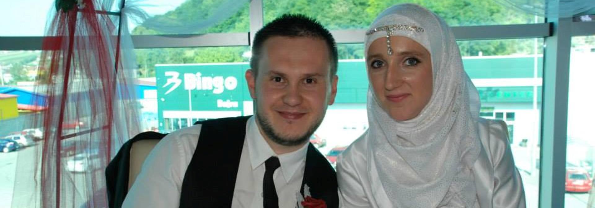 NEDAVNO SE VJENČALI Adis Dolić preminuo od posljedica stravičnog napada, supruga u komi