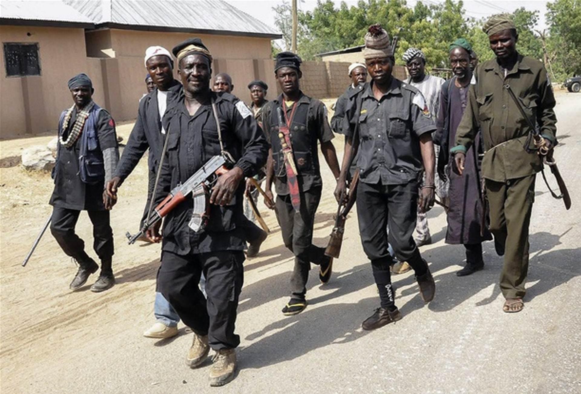 JEDNA OD NAJMASOVNIJIH PREDAJA 200 militanata Boko Harama predalo se nigerijskoj vojsci