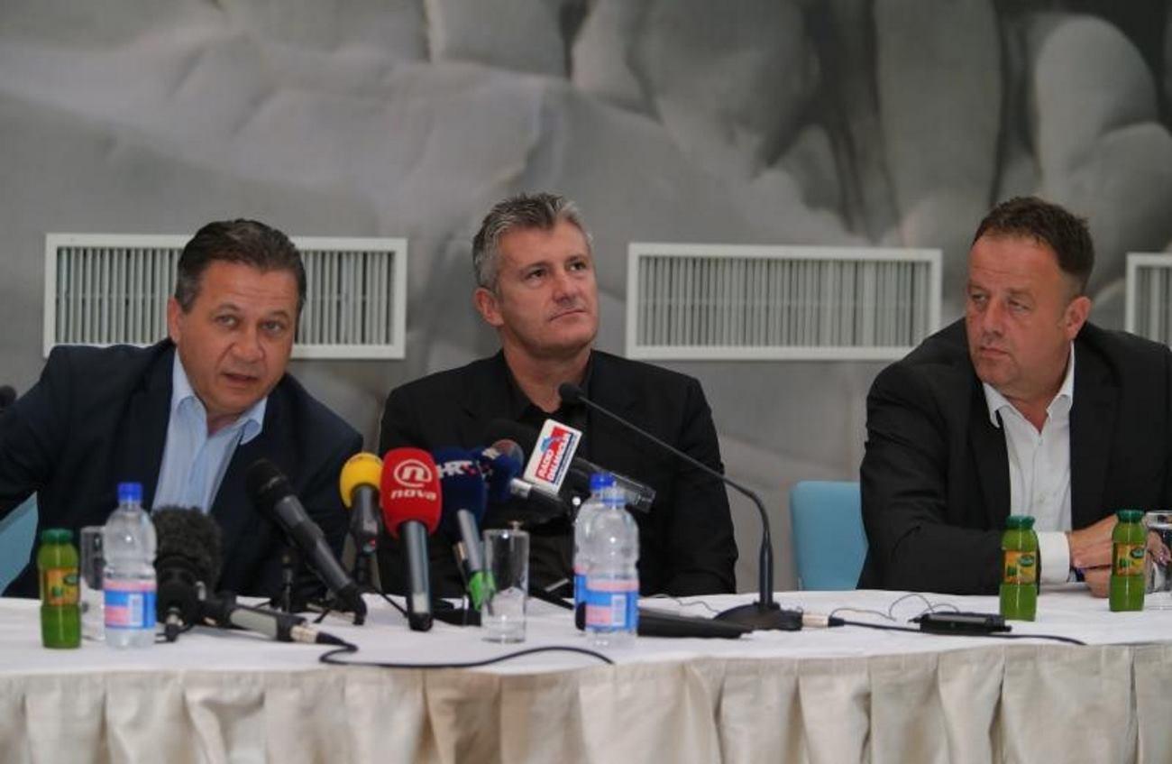 DAMIR VRBANOVIĆ (LIJEVO), DAVOR ŠUKER I ZORAN CVRK (DESNO) NA KONFERENCIJI ZA MEDIJE ODRŽANOJ DAN NAKON UTAKMICE HRVATSKE I ITALIJE FOTO: Ivo Cagalj/PIXSELL