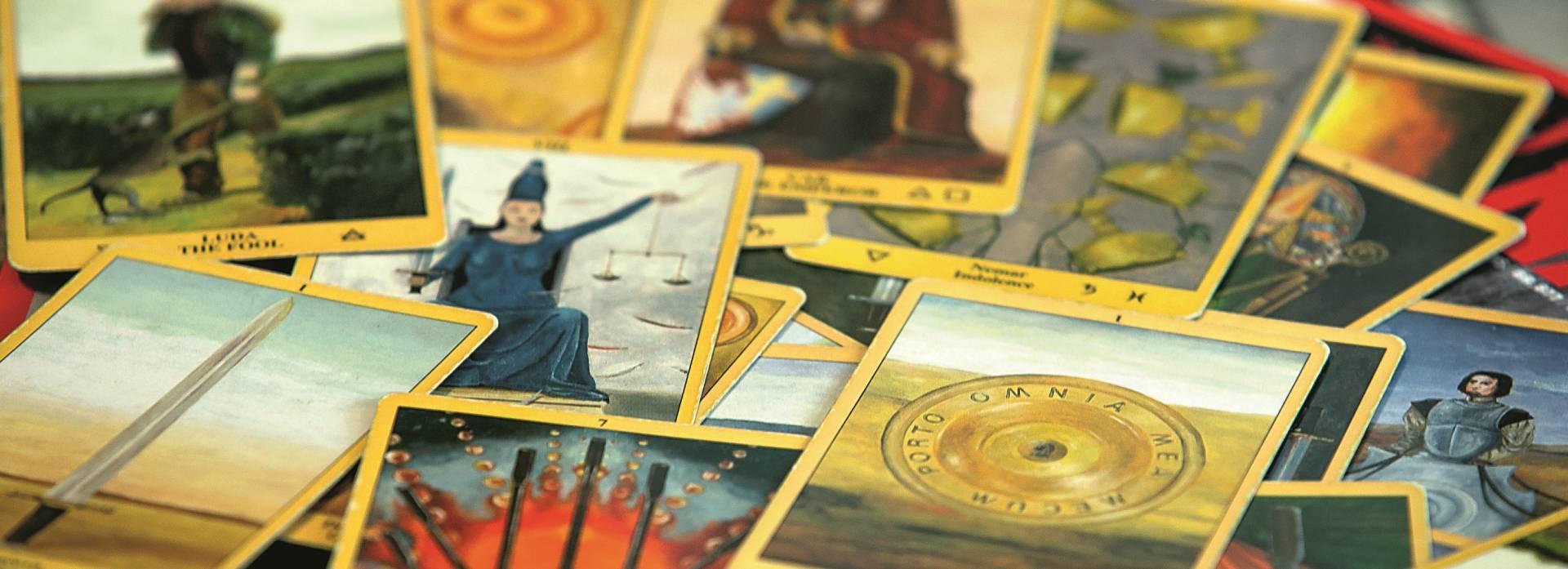 PROČITAJTE U NACIONALU 'Procvat industrije TV astrologije, tarota i numerologije usred recesije'