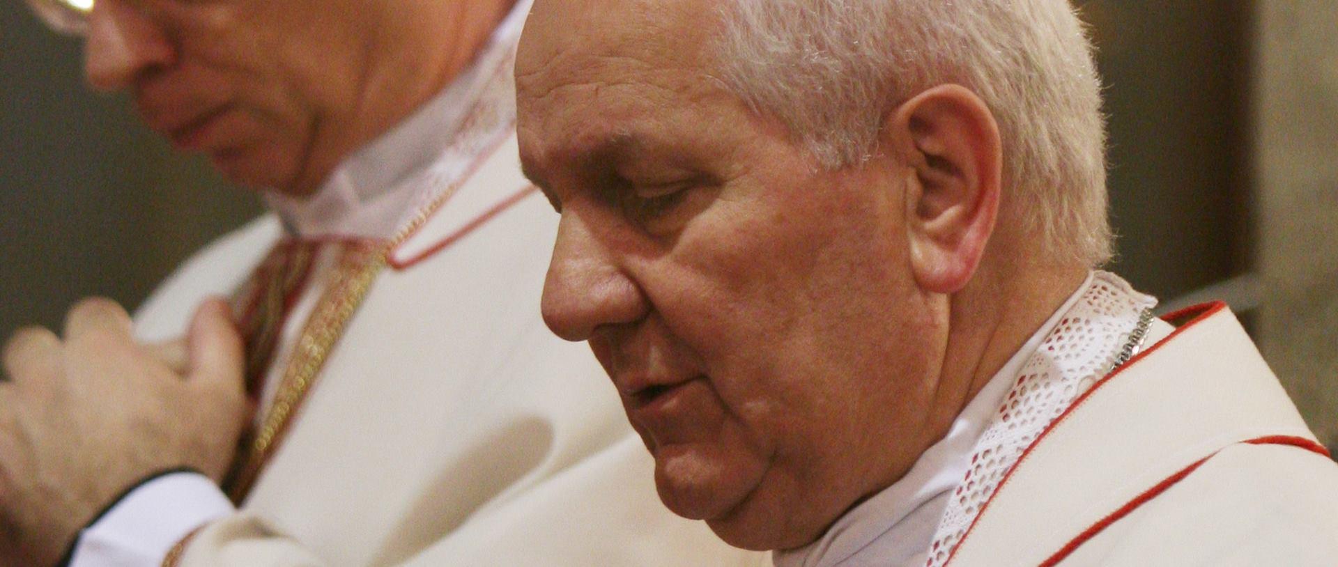 NAPREDAK 'Nedopustive su Dodikove prijetnje biskupu Komarici'