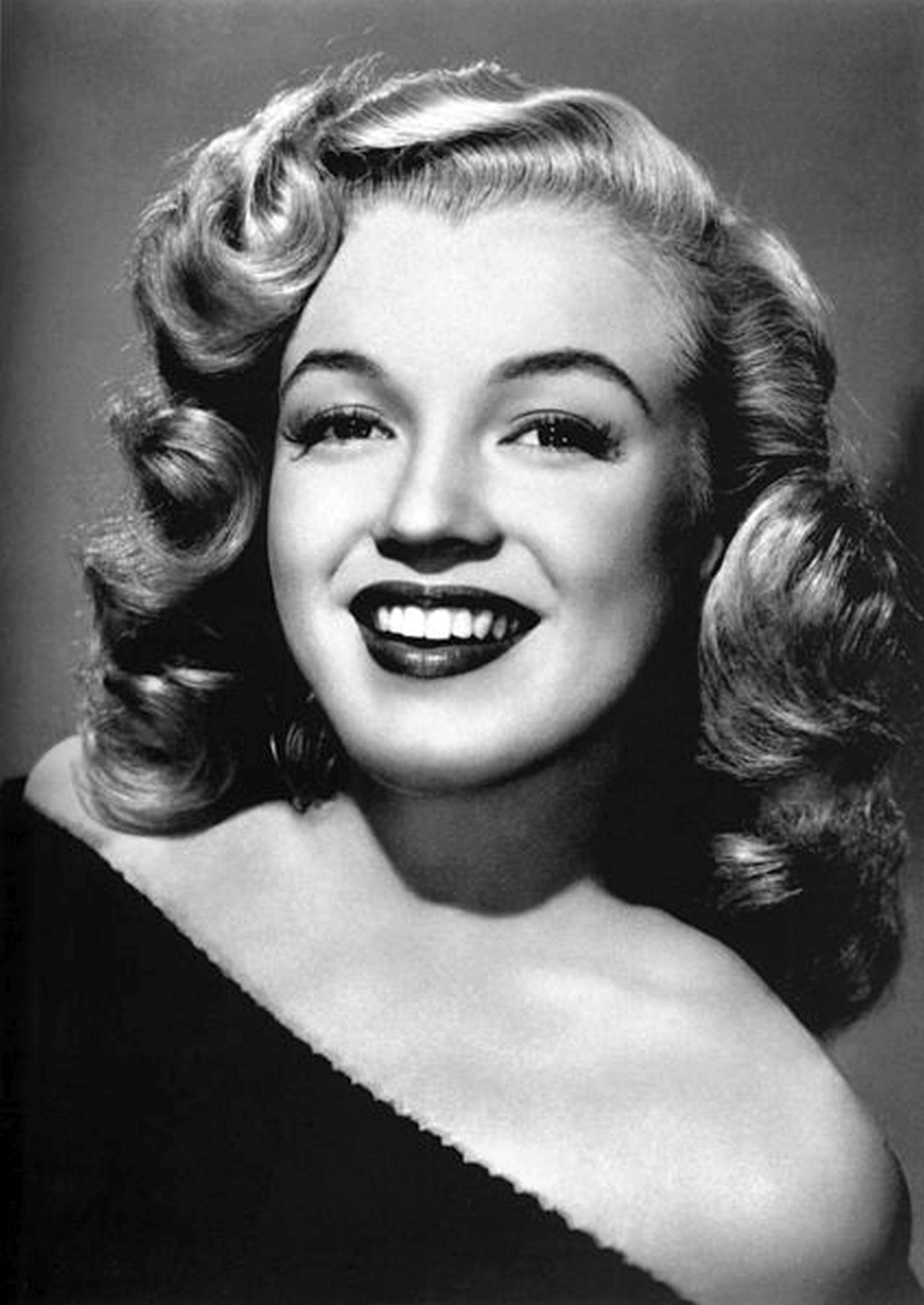 AUKCIJA HOLYWOODSKIH LEGENDI: Haljina  koju je nosila Marilyn Monroe ovoga tjedna na dražbi