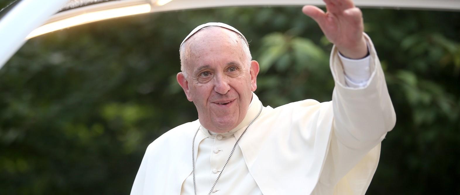 ZAHVALJUJUĆI MUJI IZ ŠVEDSKE: Papa Franjo blagoslovio nogometaše BiH