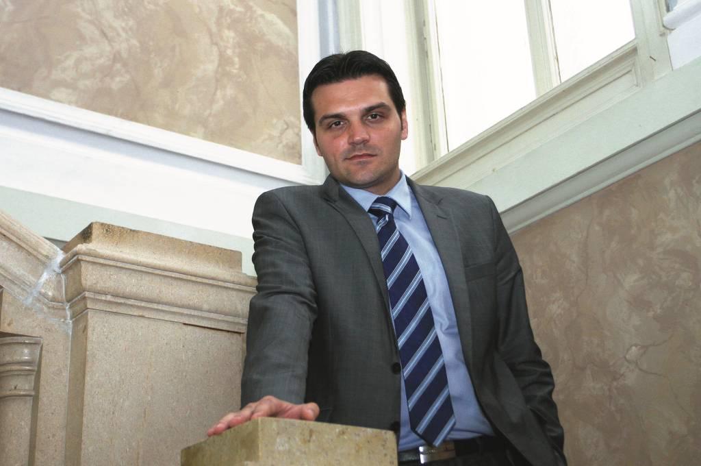 17.10.2014., Osijek - Dragan Vulin, dozupan Osjecko-baranjski i novoizabrani predsjednik HDSSB-a. Photo: Marko Mrkonjic/PIXSELL
