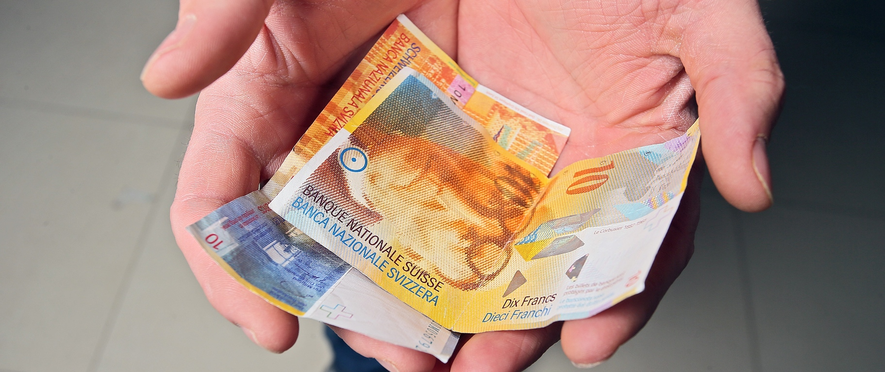 POTVRDIO KOVAČ Stigla prva tužba banke zbog konverzije kredita u švicarske franke