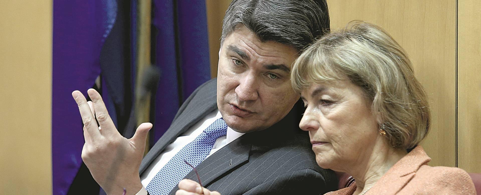 NACIONAL OTKRIVA: Vesna Pusić forsira ranije izbore zbog straha od Radimira Čačića