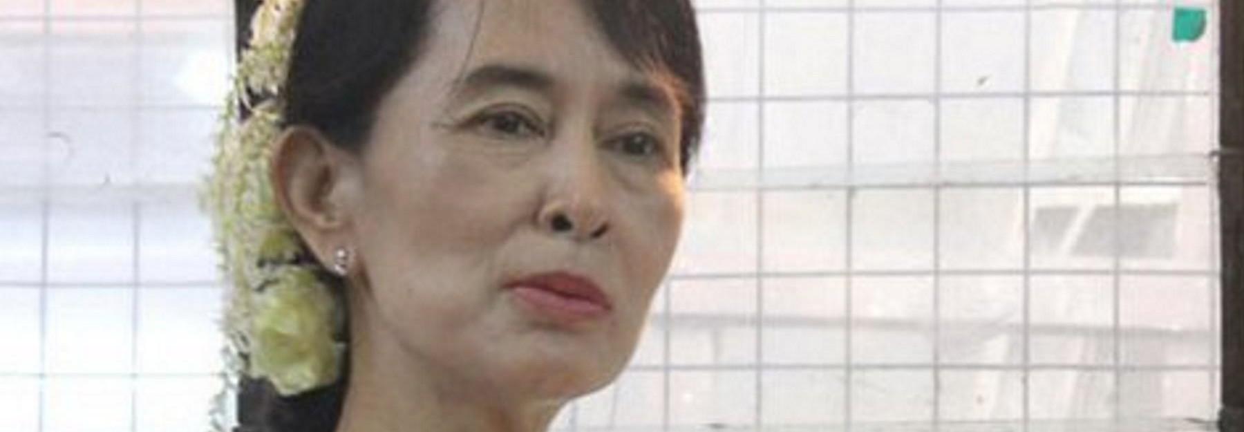 VIDEO: Poslušajte službenu izjavu Aung San Suu Kyi o novom kursu mianmarske politike