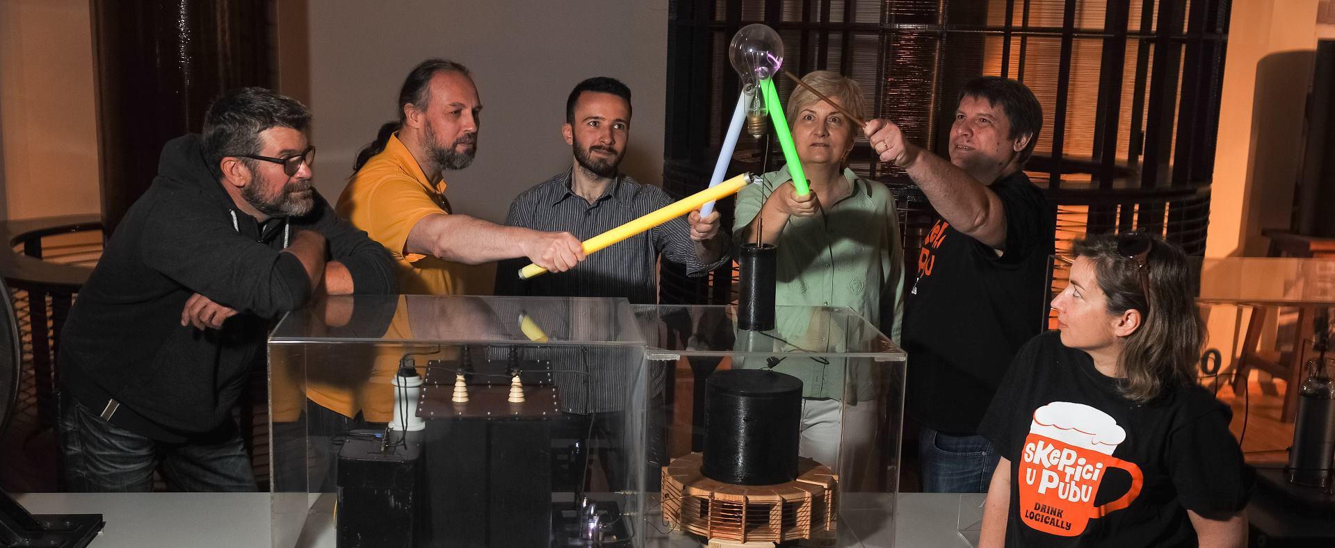DOSSIER Teorija velikog praska – pubovi postaju nove oaze testova znanja