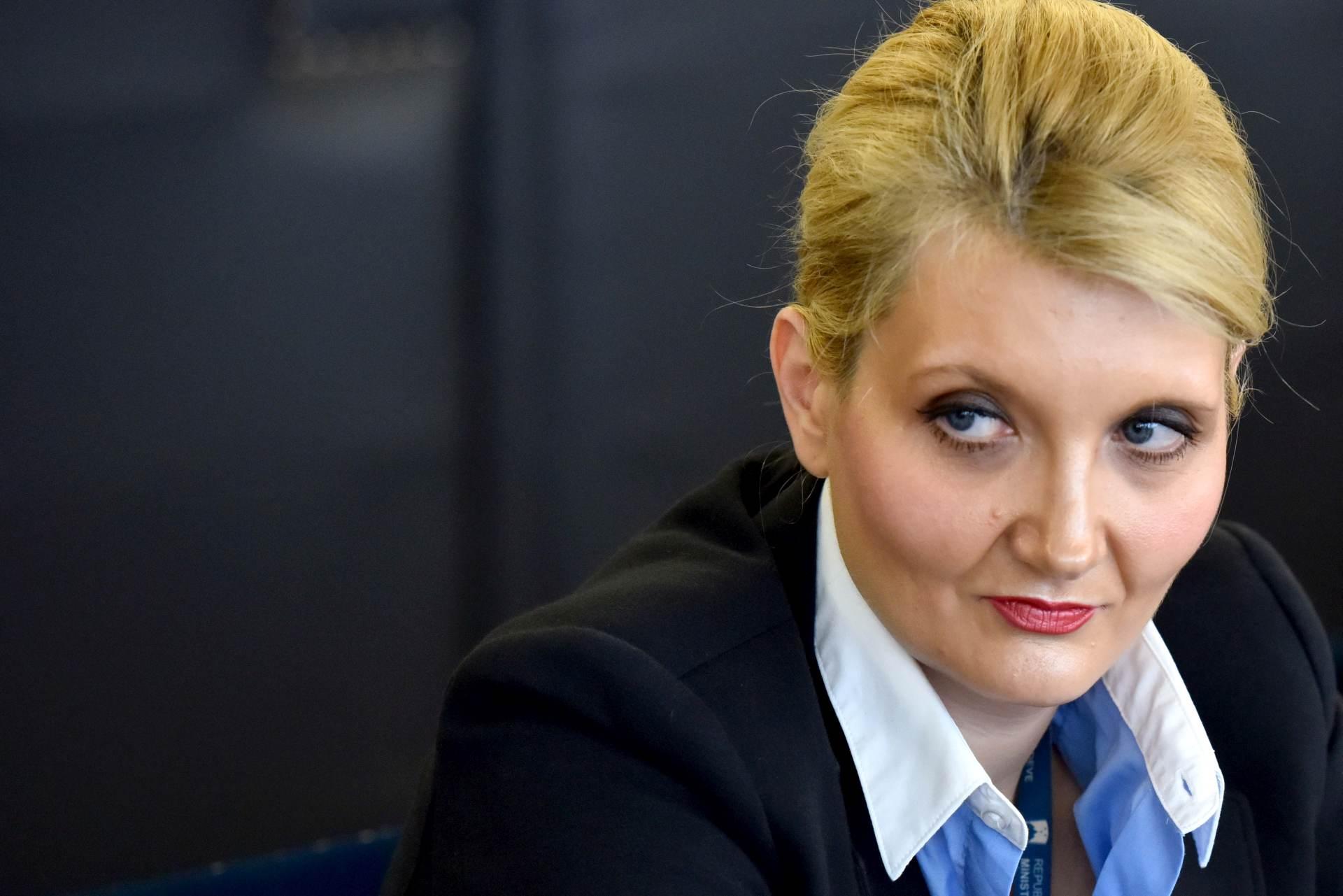 UHIĆENJE BIŠEG KOSKOVSKOG PREMIJERA: Slovenska opoba pokrenula postupak protiv ministrice unutarnjih poslova