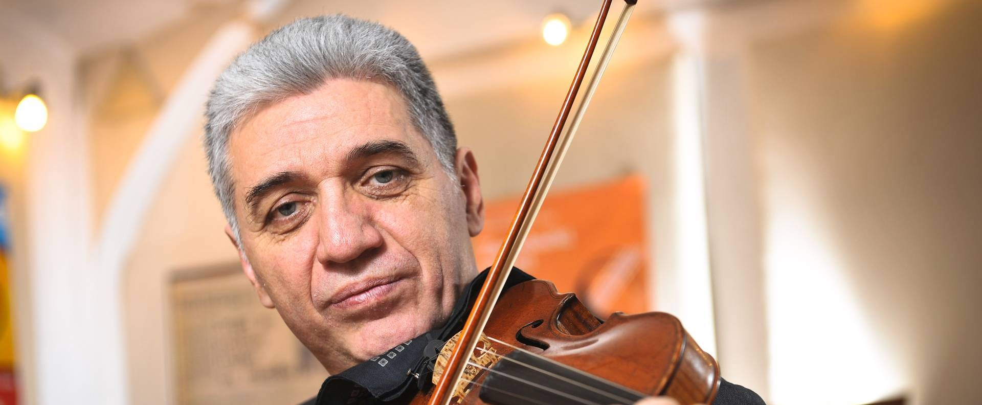 PROČITAJTE U NACIONALU Zagrebački solisti imaju novog koncertnog majstora