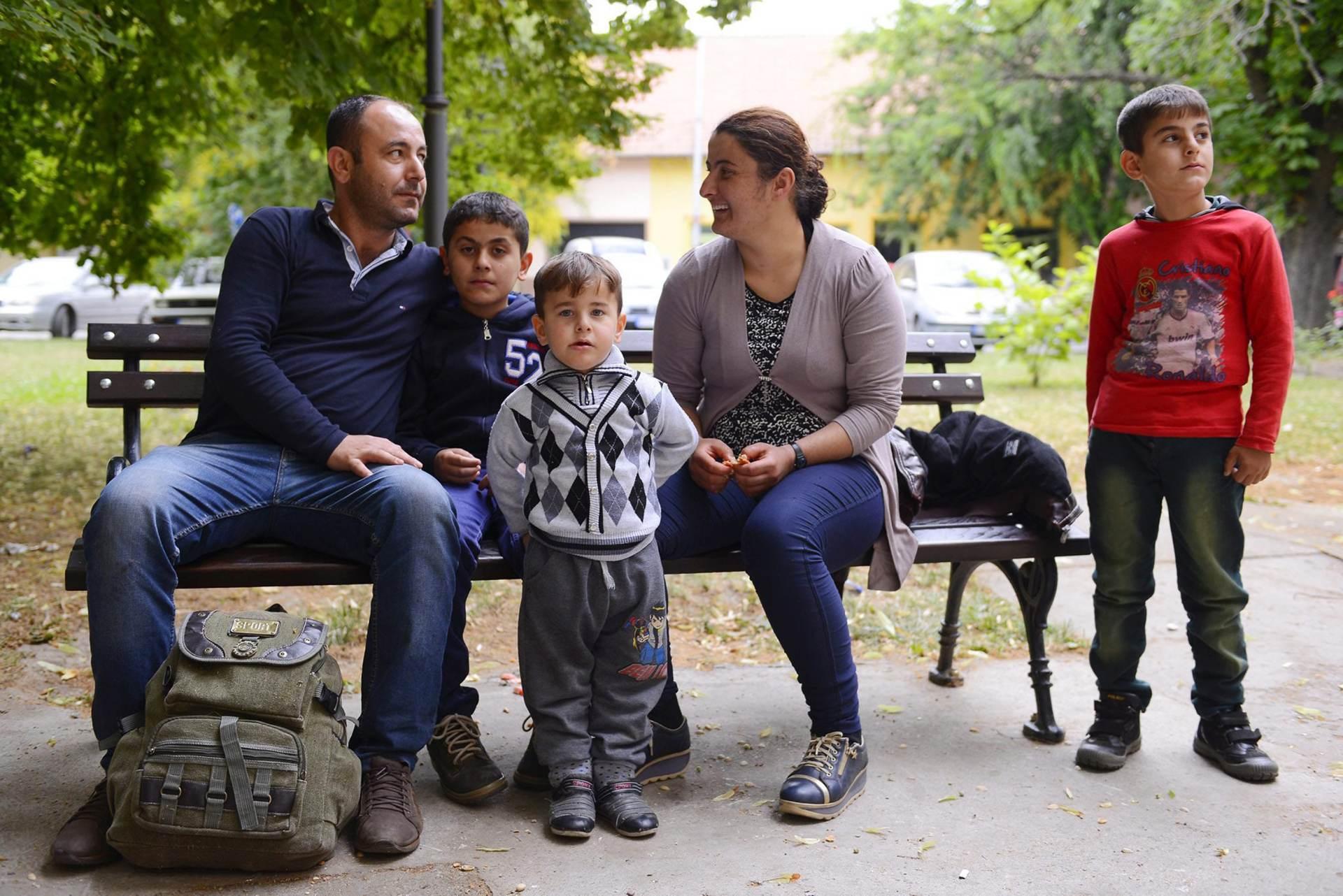 VAL IMIGRANATA: Azilanti napuštaju Srbiju nakon najave gradnje mađarskog zida