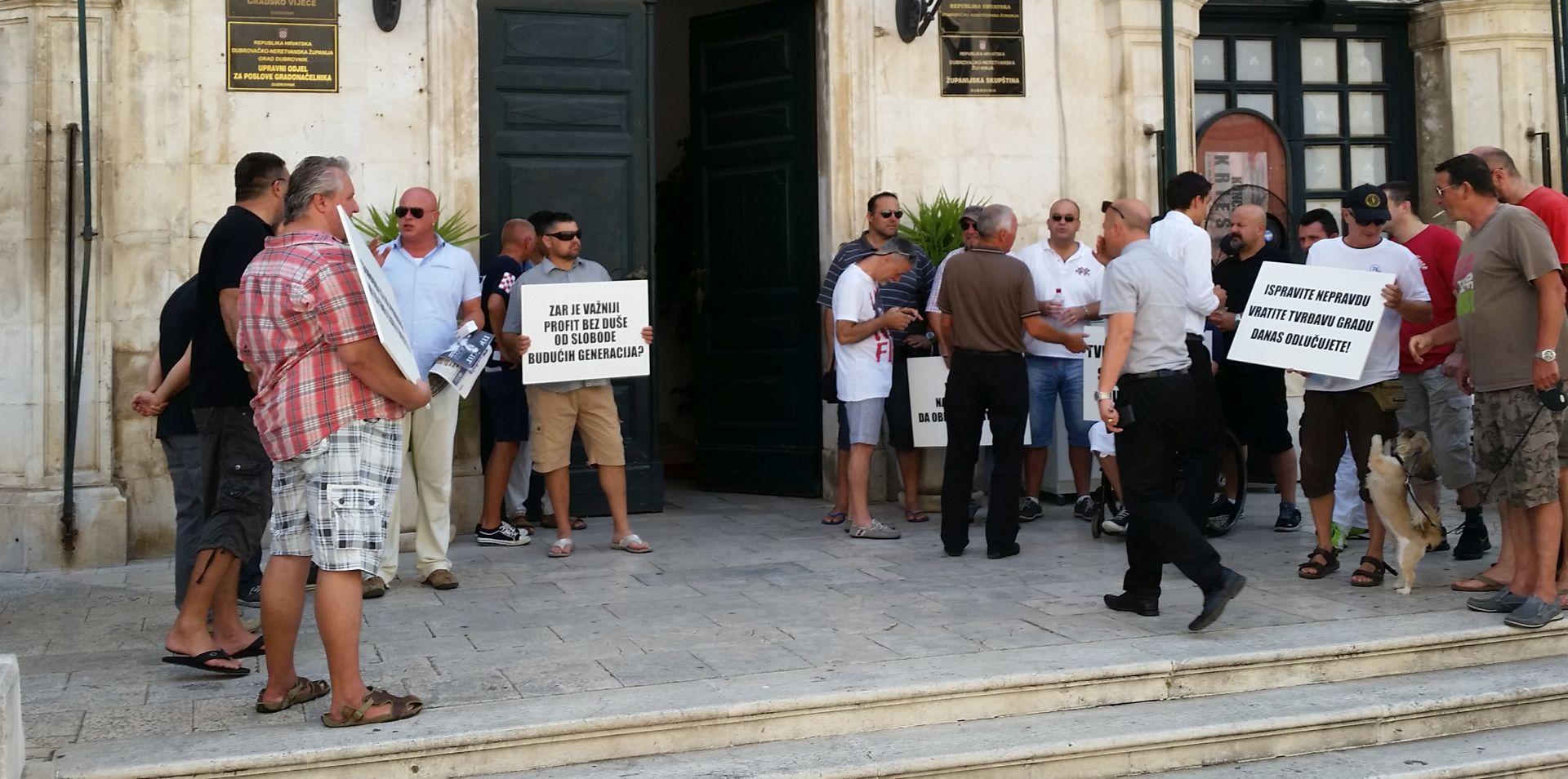 Dubrovnik: Branitelji pozvali vijećnike na raskidanje ugovora s tvrtkom Razvoj golf