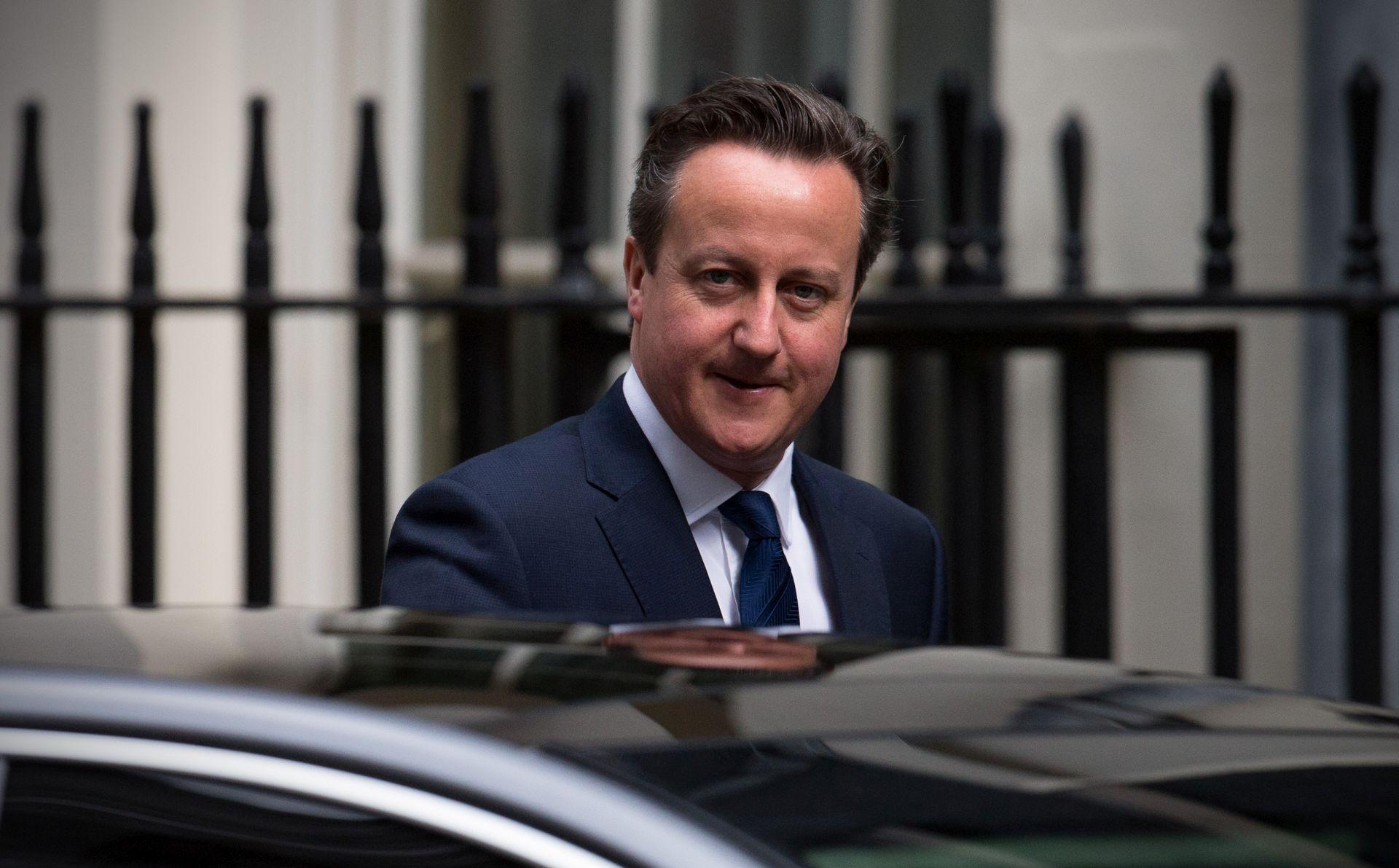 Cameron o krizi u Calaisu: Britanija neće postati utočište migranata