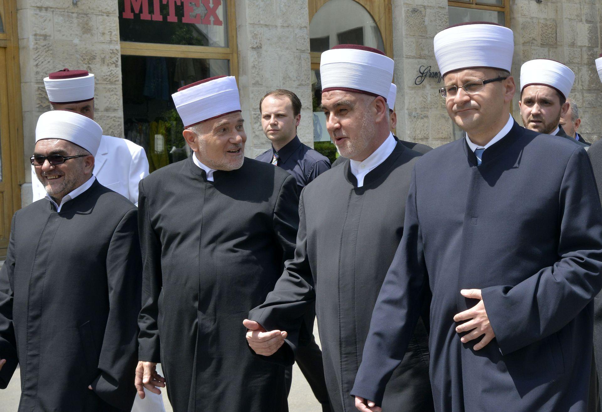 POGLAVAR ISLAMSKE ZAJEDNICE U BiH Kavazović: Nasilje u ime vjere je čista izdaja Islama