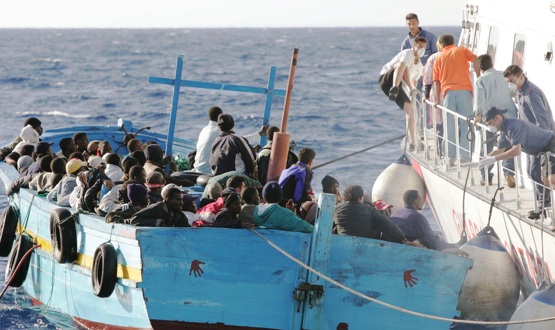 TUŽNA SUDBINA IZBJEGLICA Na brodu kod Libije pronađeno 50 mrtvih migranata