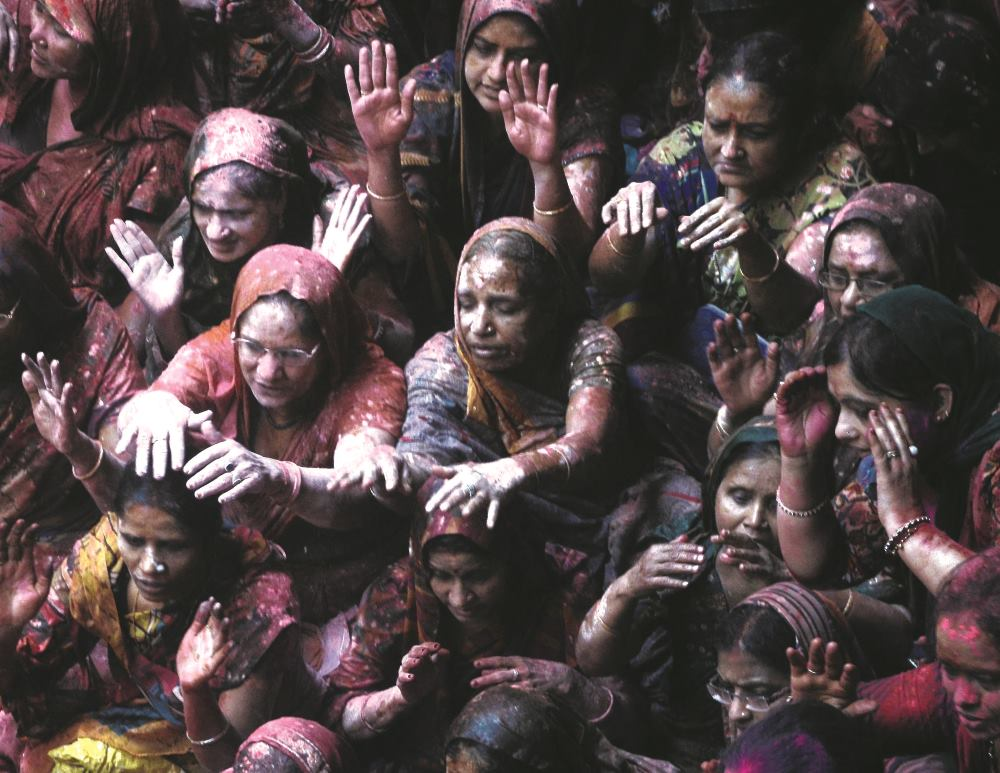 indijski stariji izlasci upoznavanje noža s čekićem