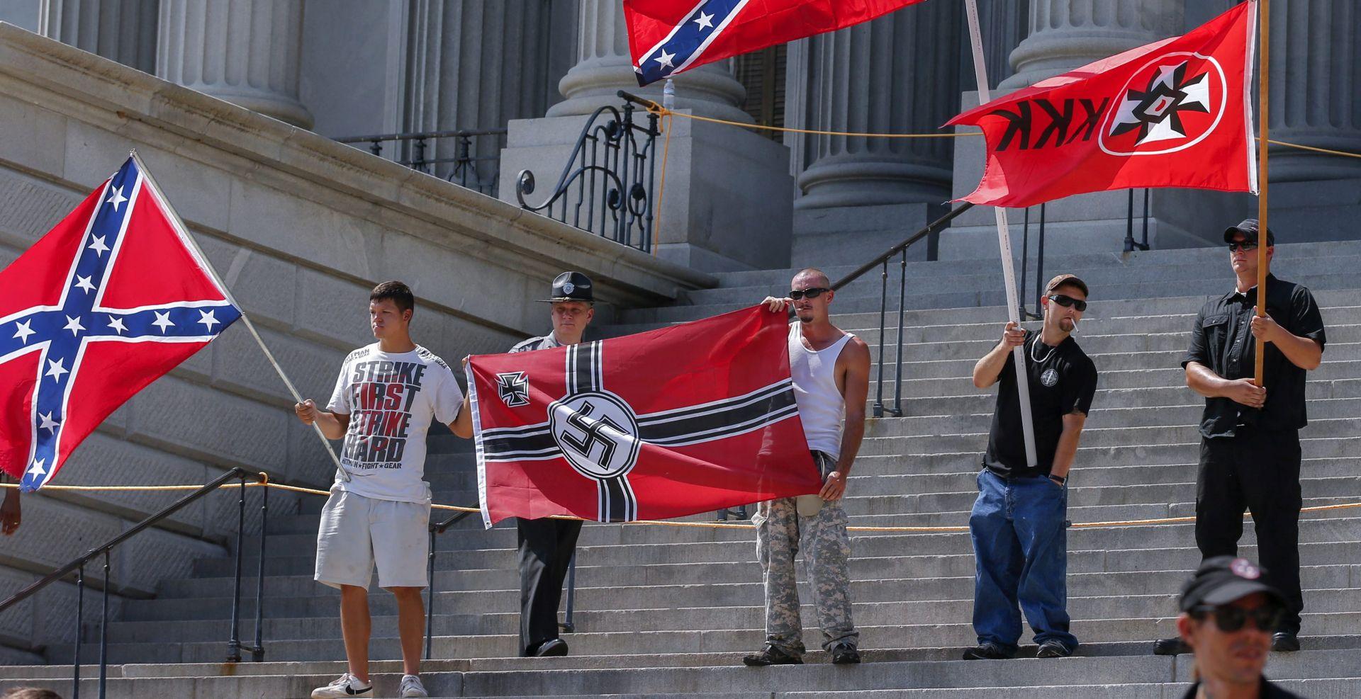 NACISTIČKA OBILJEŽJA Ku Klux Klan prosvjedovao zbog micanja konfederacijske zastave
