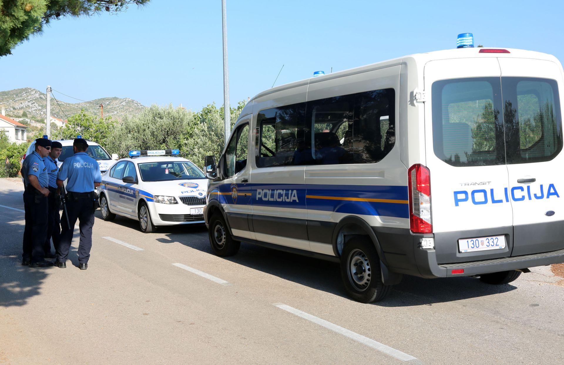 PLIJEN OD 100 TISUĆA KUNA Mladić (19) osumnjičen za seriju razbojstava