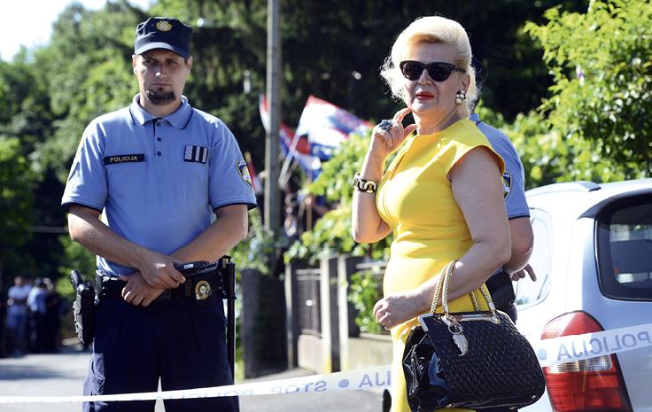 Predsjedničina povjerenica za zviždače Vesna Balenović pojavila se prošlog tjedna na deložaciji obitelji Cvjetković, što je protumačeno kao neprimjereno jer je o tom slučaju zadnju riječ dao Ustavni sud