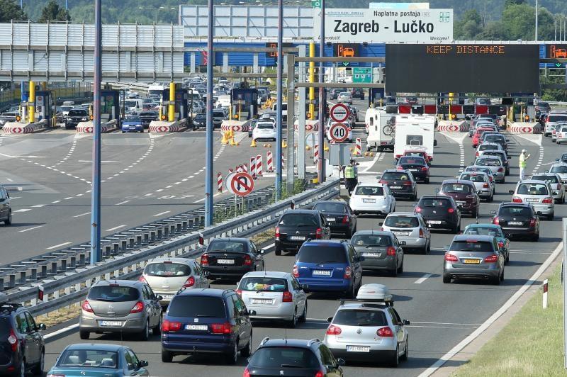 LUČKO Na ulazu u Zagreb kolona od 6 kilometara