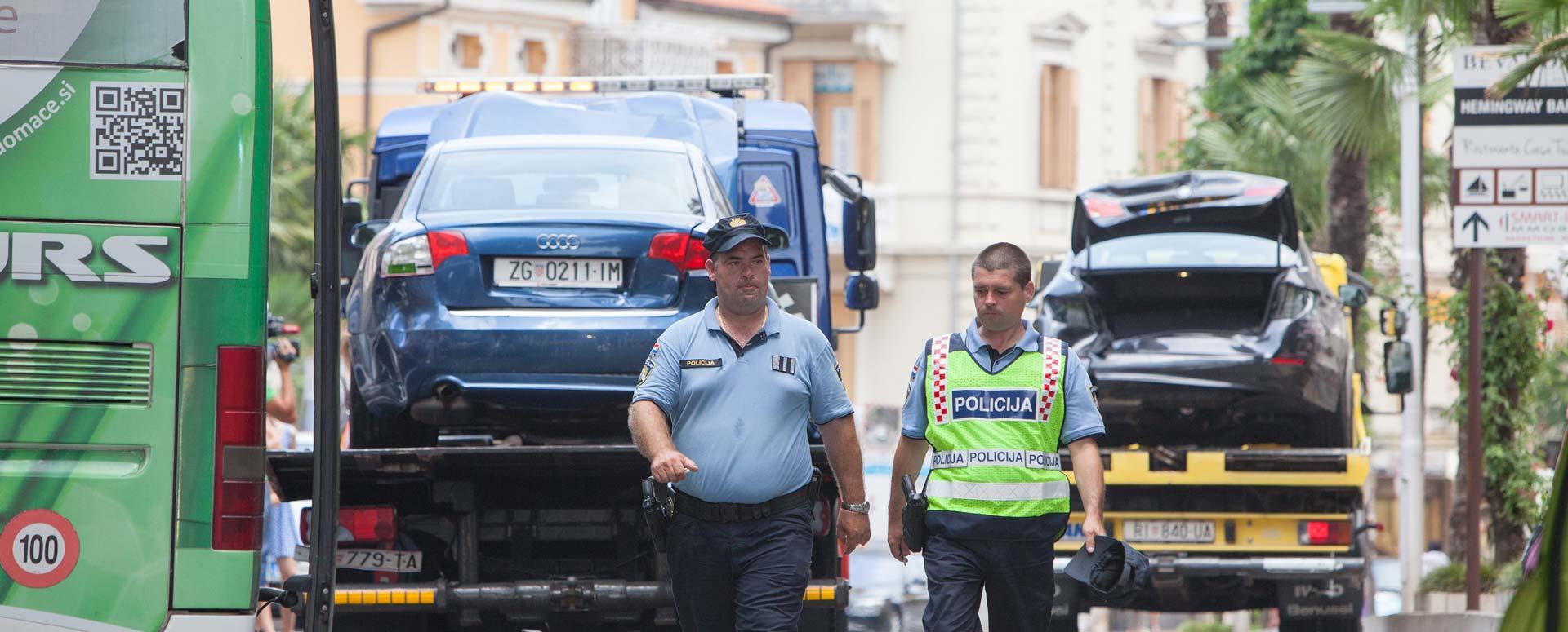 Vozaču autobusa iz Slovenije pozlilo, u višestrukom sudaru razbijeno desetak vozila