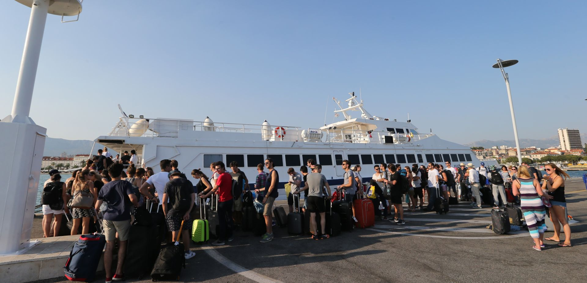 TURISTIČKA GUŽVA Kroz Split će ovaj vikend proći više od 100 tisuća putnika
