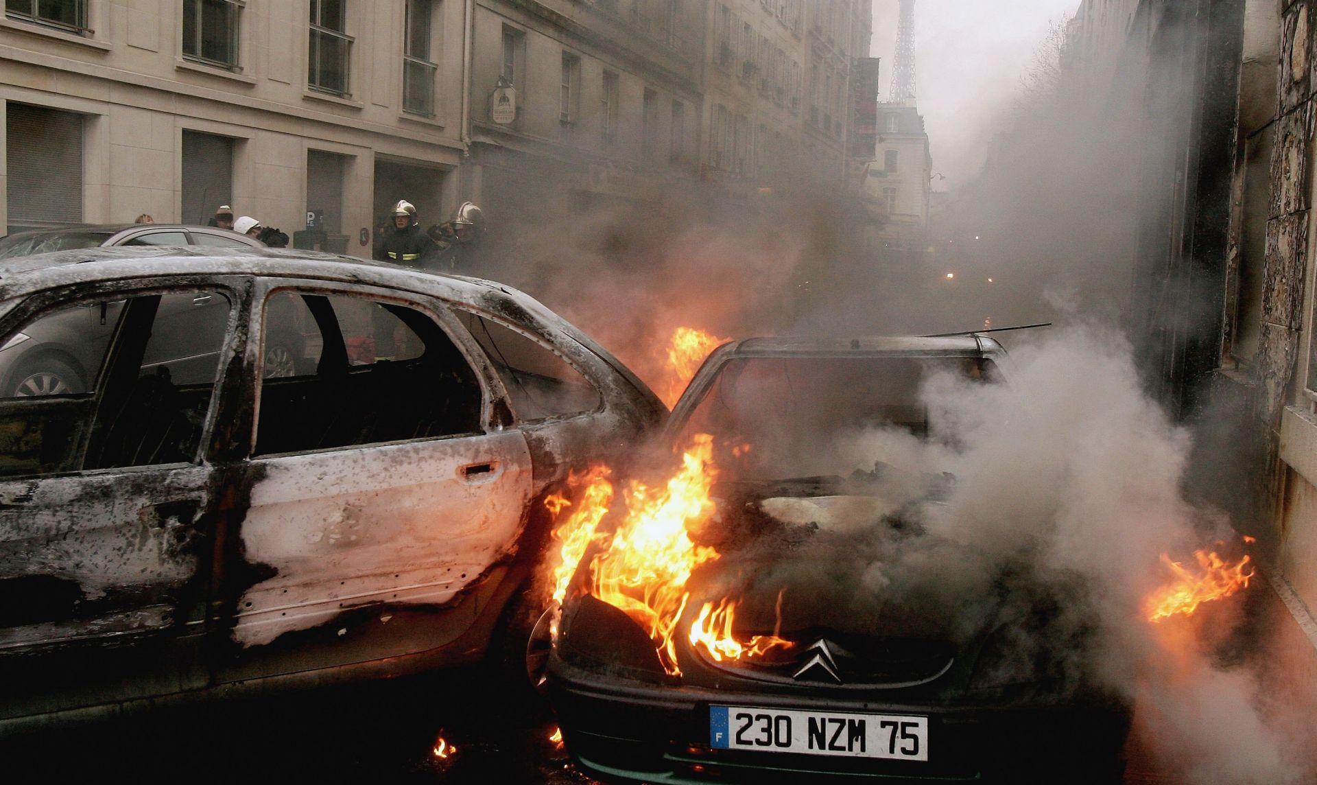 SVAKE GODINE ZA PAD BASTILLE U Francuskoj gorjelo preko 700 automobila