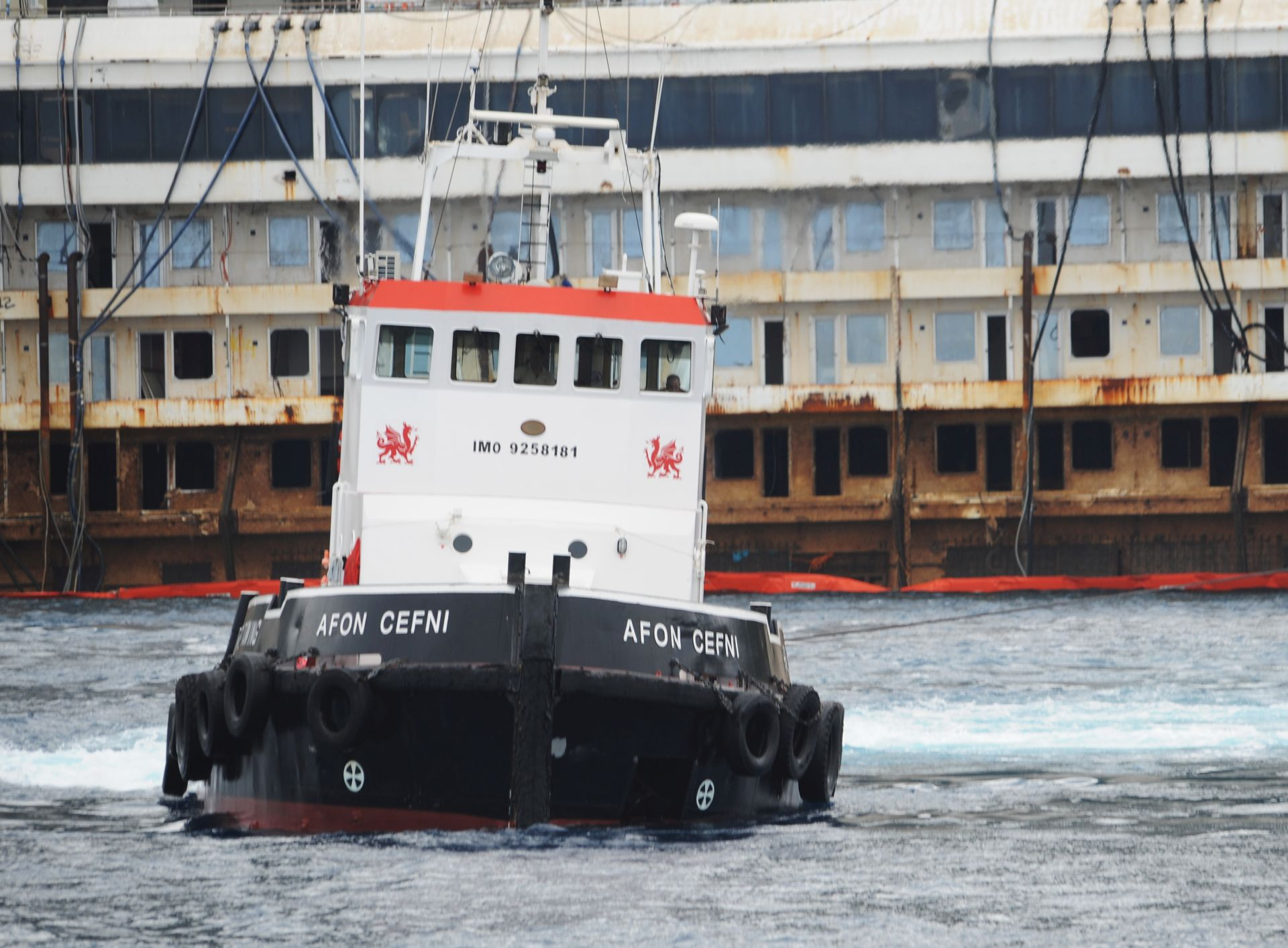 TRAGEDIJA U EGIPTU 15 mrtvih u sudaru trajekta i teretnog broda na Nilu