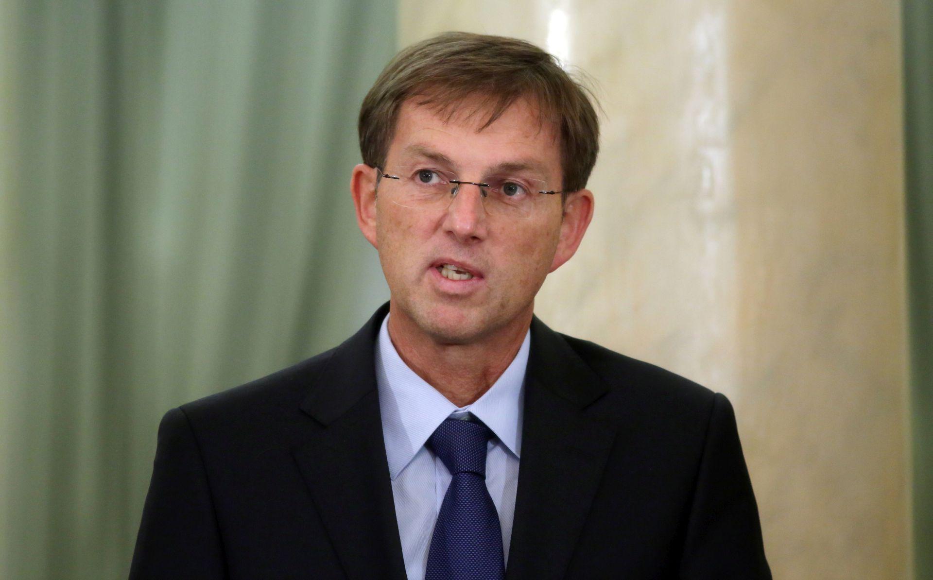 Cerar o ostavci nije obavijestio ni koalicijske partnere