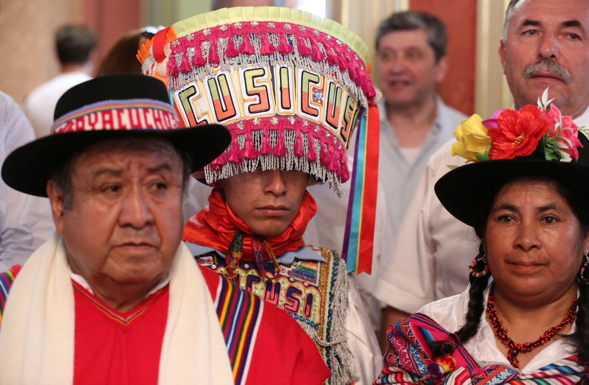 Folkloraši od Kurdistana do Perua u gornjogradskoj palači Dverce