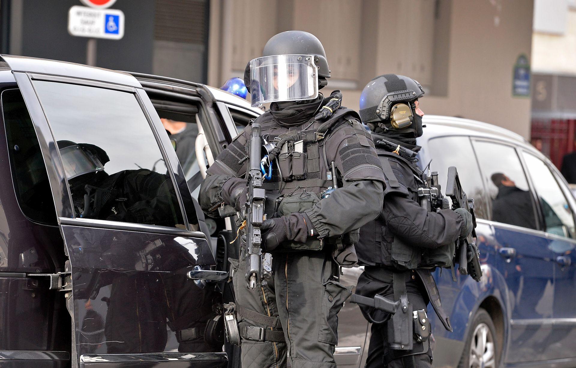DŽIHADISTI PRIJETE Francuska spriječila teroristički napad na vojne baze