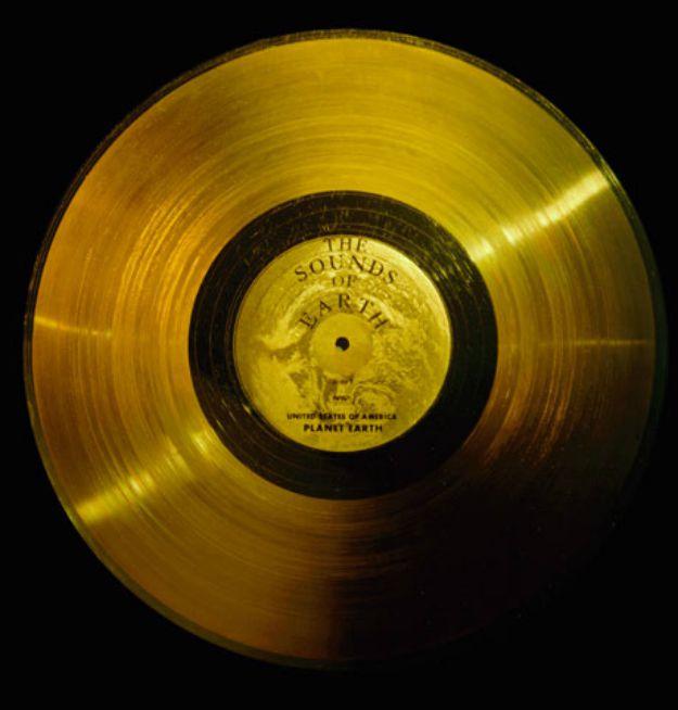 """NASA objavila sadržaj """"zlatne ploče"""" za susret s izvanzemaljcima"""