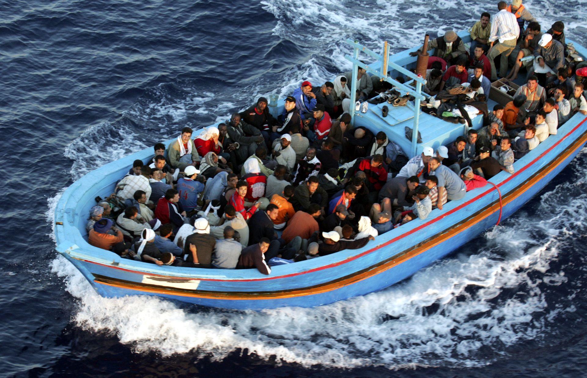 NOVA TRAGEDIJA: U brodolomu u Turskoj poginulo 12 migranata