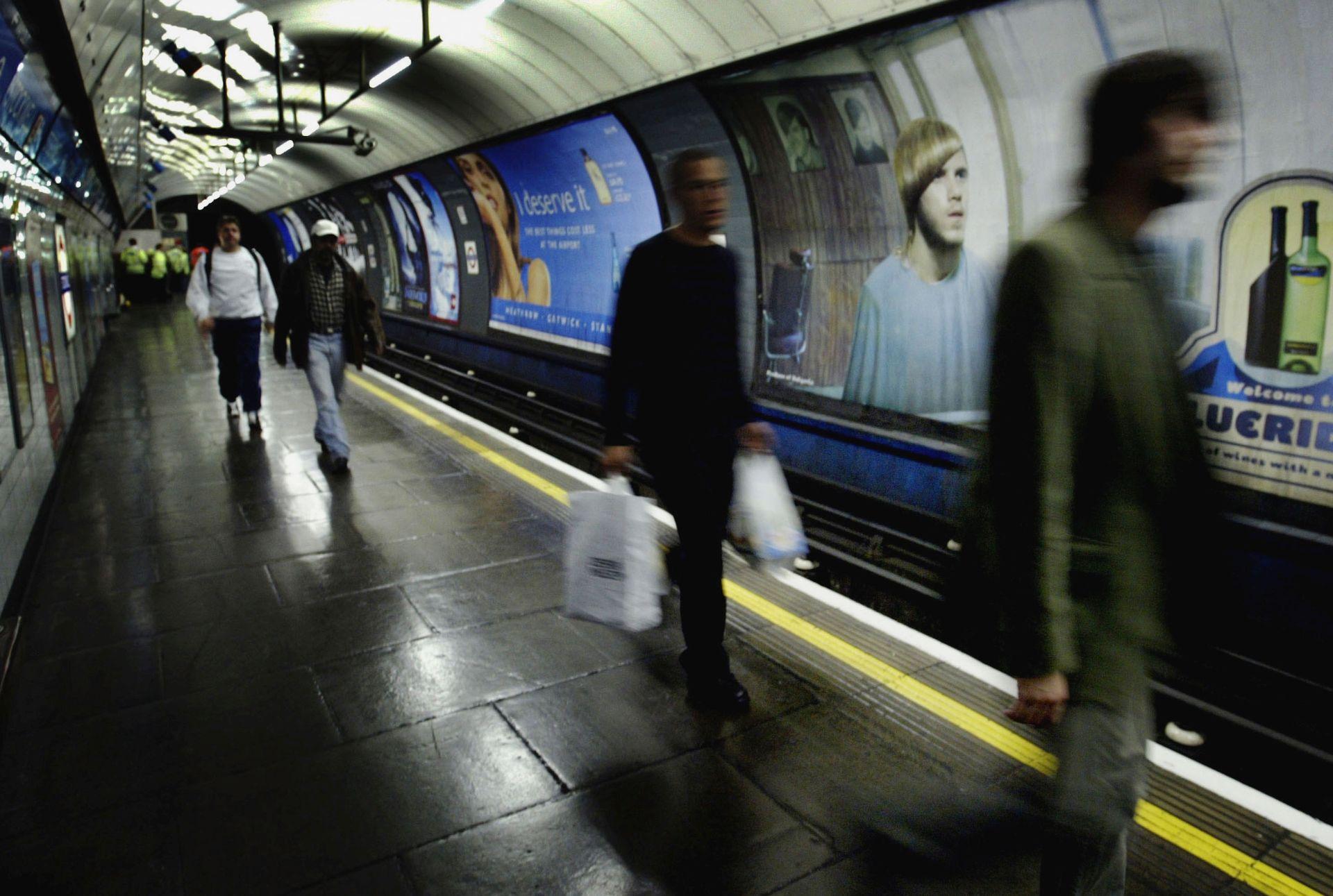 MILIJUNI STANOVNIKA NE MOGU NA POSAO London paraliziran zbog štrajka u podzemnoj željeznici