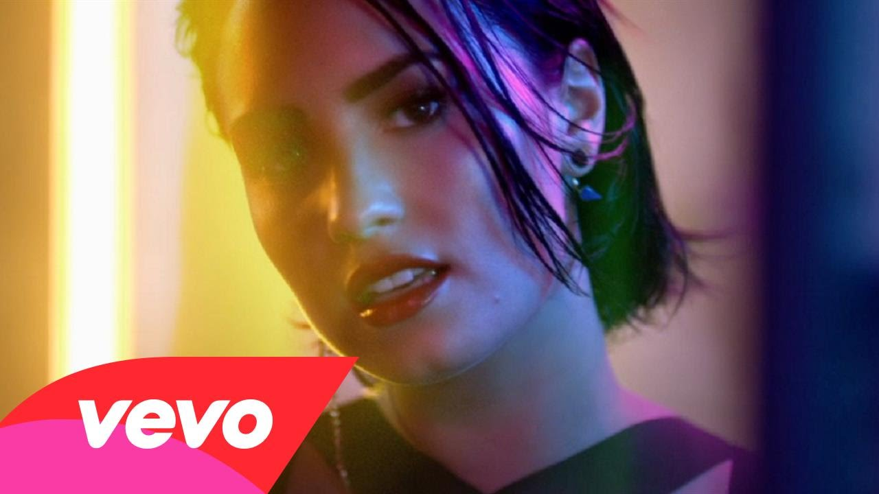 VIDEO: Demi Lovato izdala video spot za pjesmu 'Cool for the Summer'