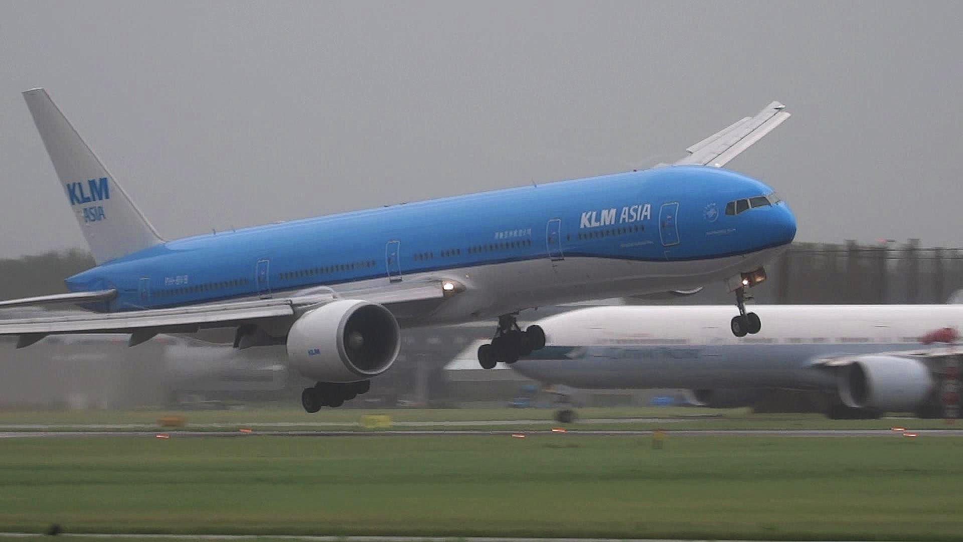 VIDEO: DRAMA U AVIONU Pogledajte što se događalo Boeingu 777 trenutak prije slijetanja