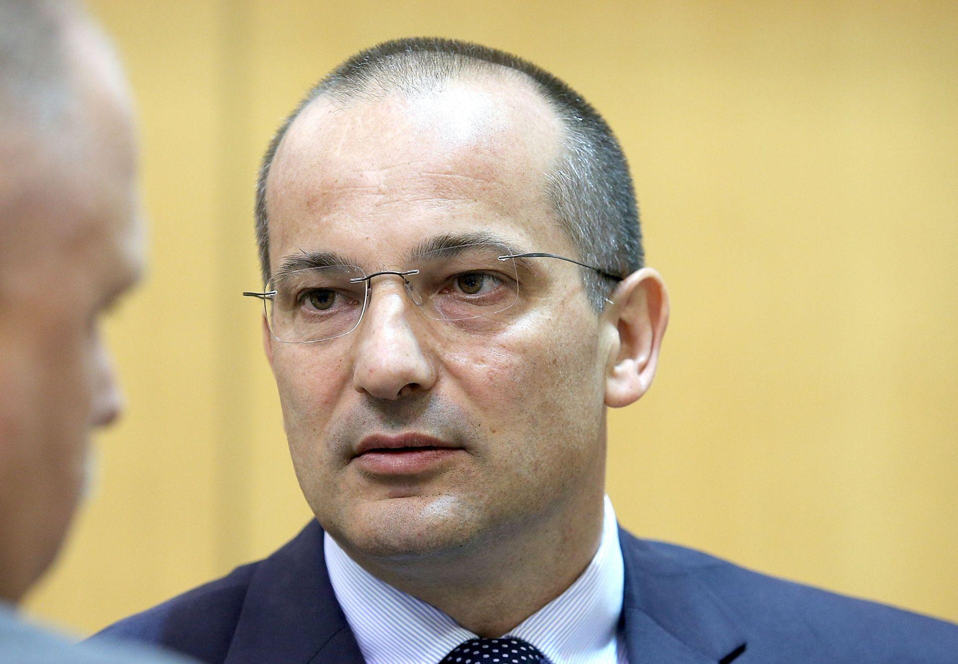 """MILJENIĆ """"Vlada je stala na pola puta"""""""