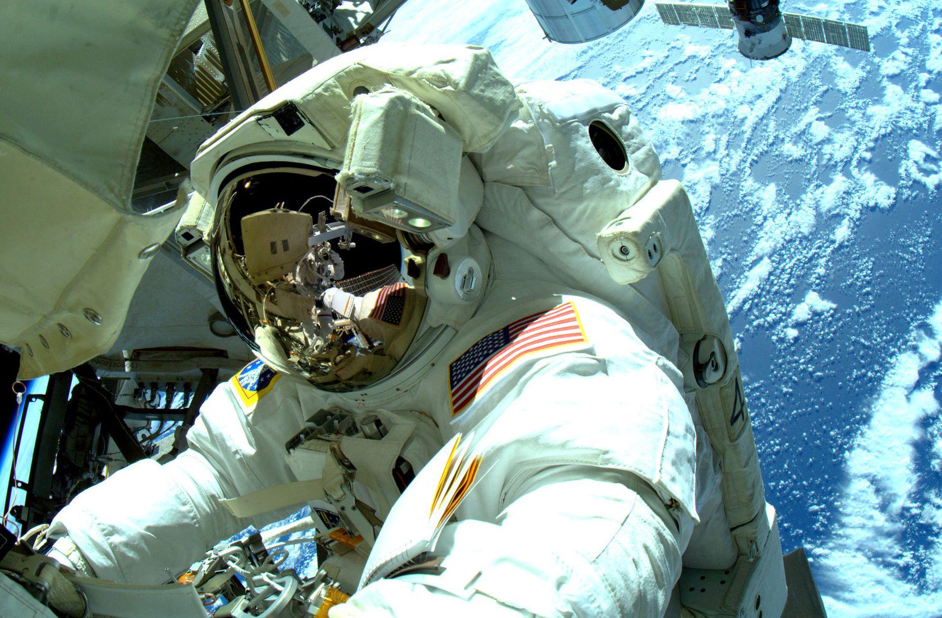 NASA odredila astronaute za komercijalne letove u svemir