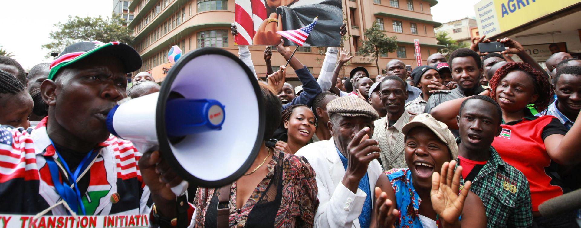 OBAMA, MICHELLE I AIRFORCE ONE: Počela Obamamanija u imenovanju Kenijske novorođenčadi