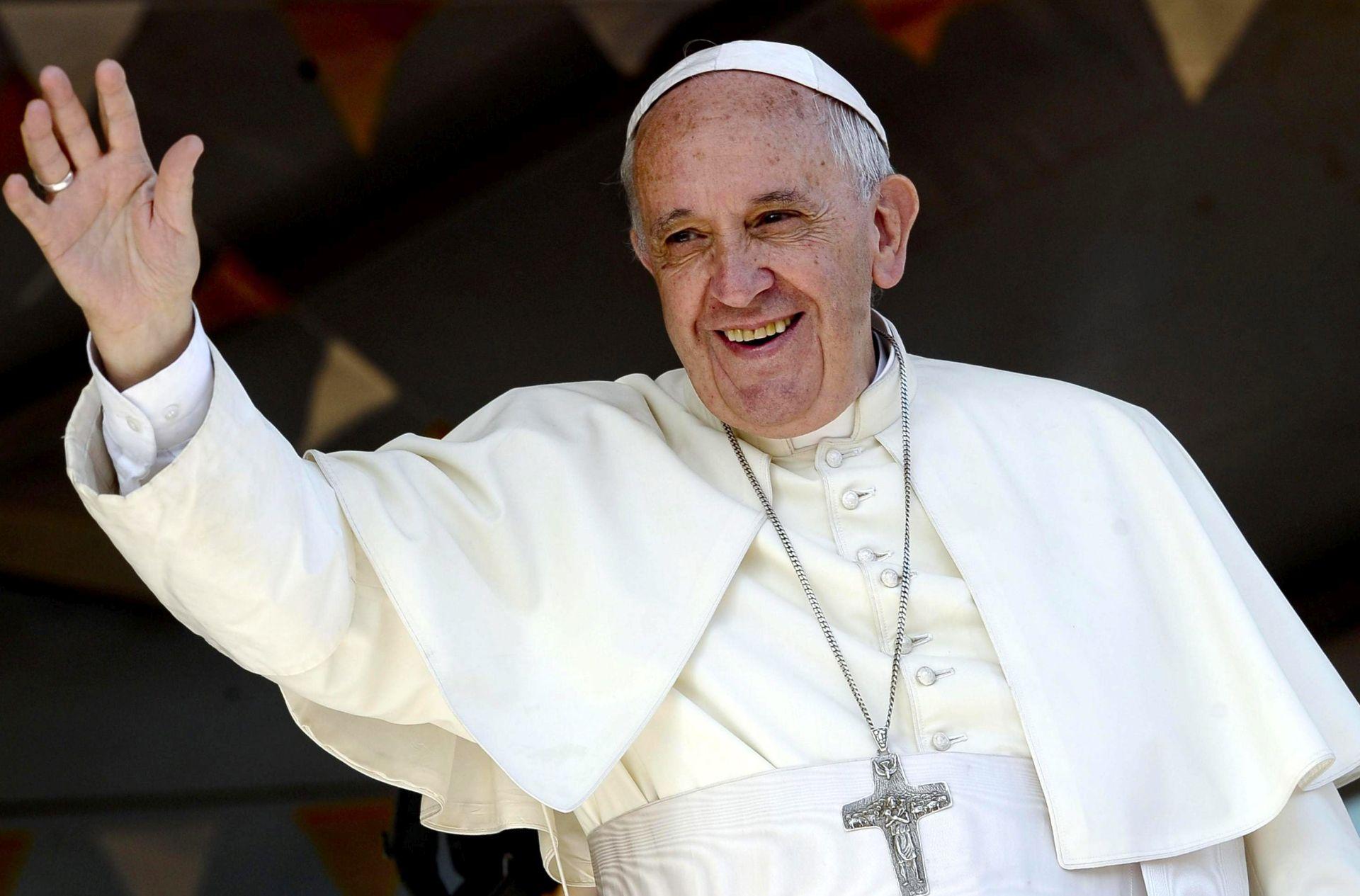 Papa Franjo stiže u Mijanmar