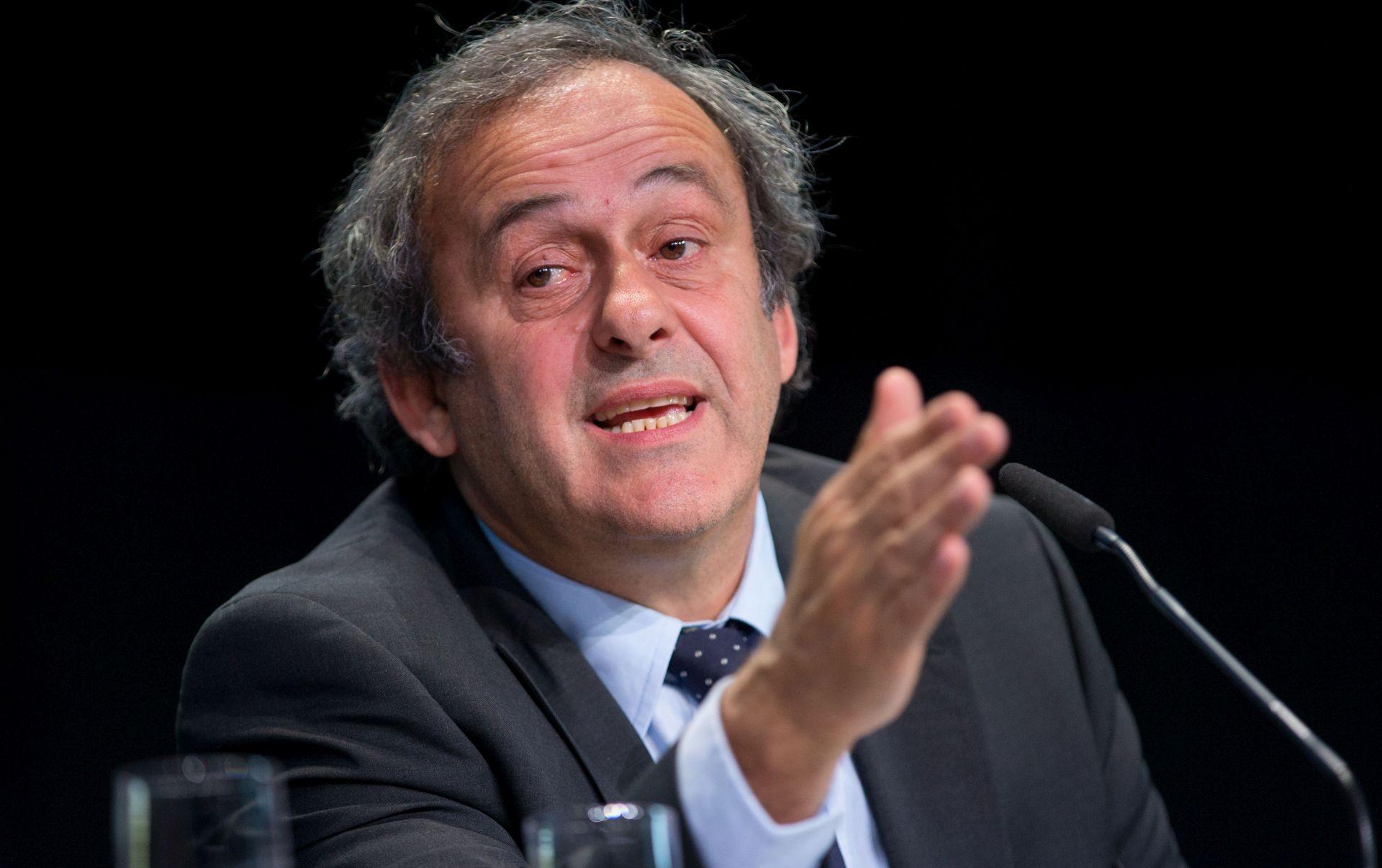 SVASTIKA NA POLJUDU Platini odgovorio premijeru Milanoviću