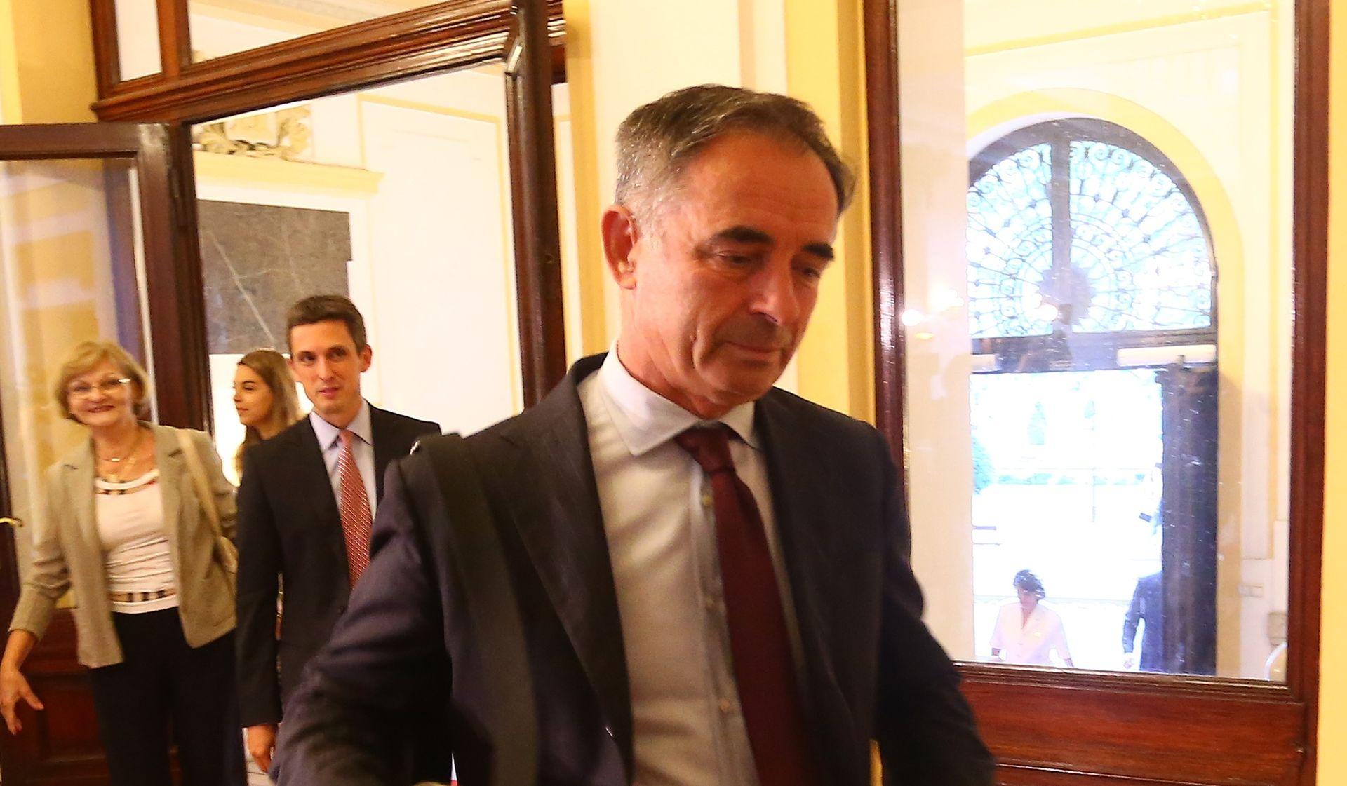 SLAGANJE VLADE:  Manjinski zastupnici podržavaju SDP-ovu koaliciju