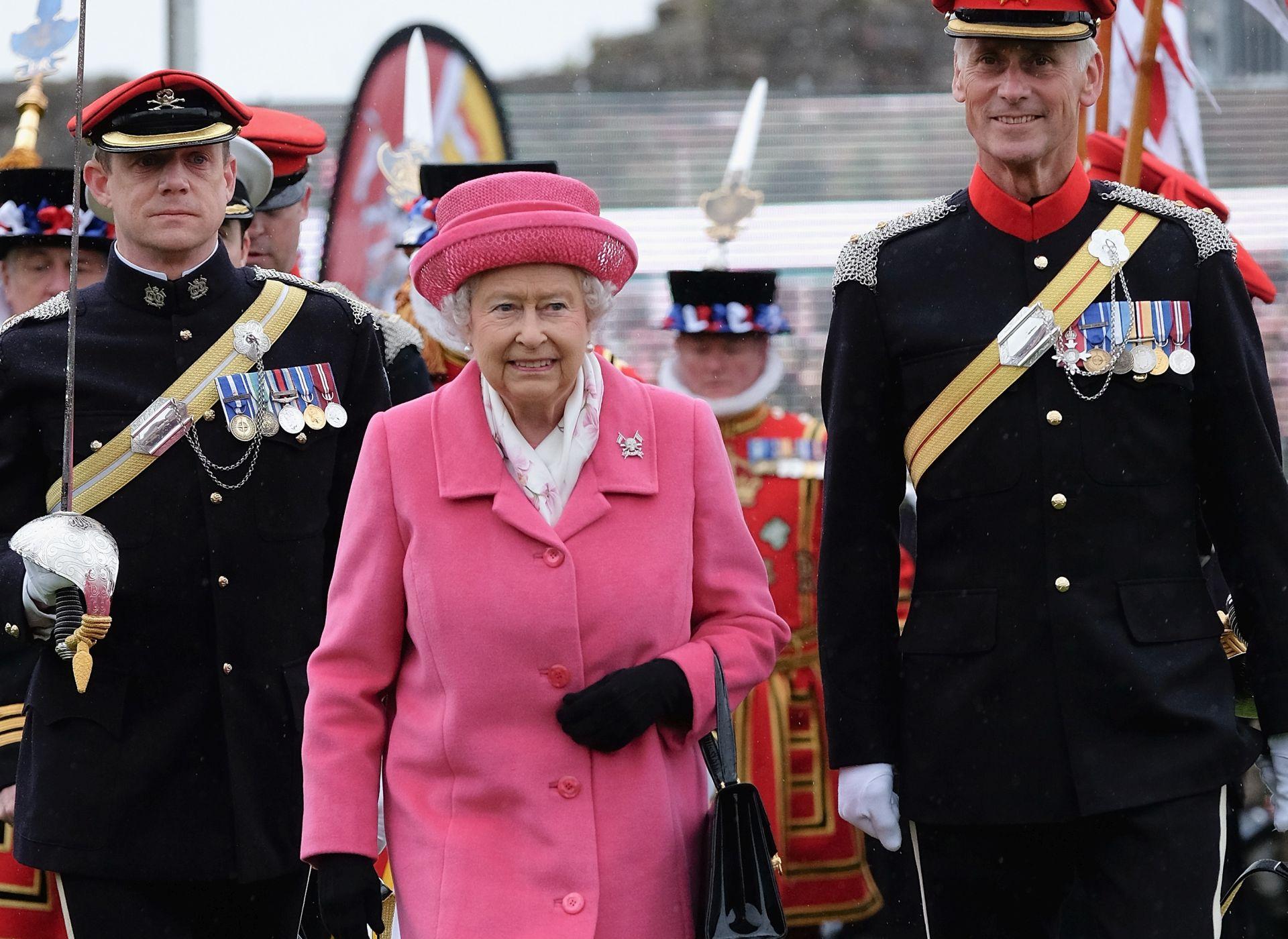 Kraljica Elizabeta II. obara rekord kraljice Viktorije